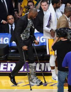 celebs-at-lakers-vs-spurs-game14__oPt