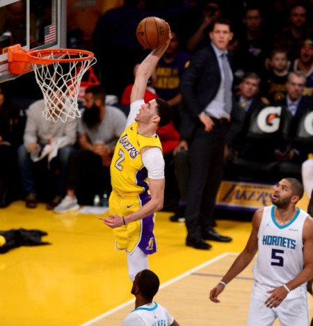 LDN-L-LAKERS-HORNETS-0106